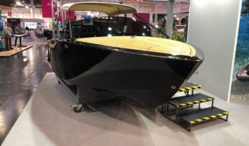Flying Shark 5.7 Runabout voll