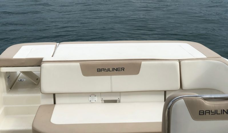 Bayliner VR6 Bowrider voll