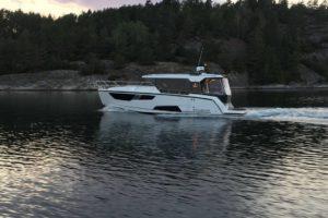 Aquador 35 AQ Hardtop Cabin Kabine Boot-323