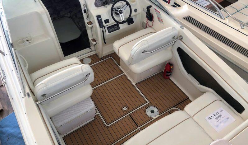 Sea Ray 215 Express Cruiser voll